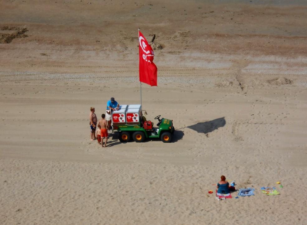 Eisverkäufer am Strand in Belgien