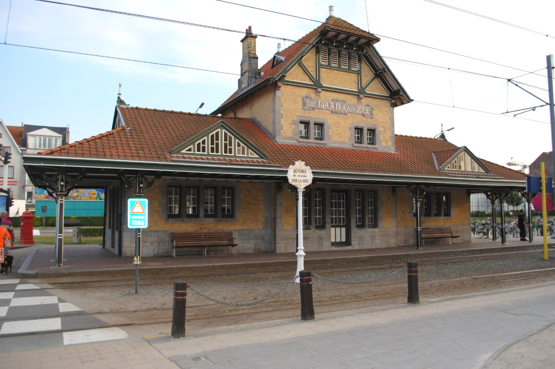 Kusttram Bahnhof De Haan