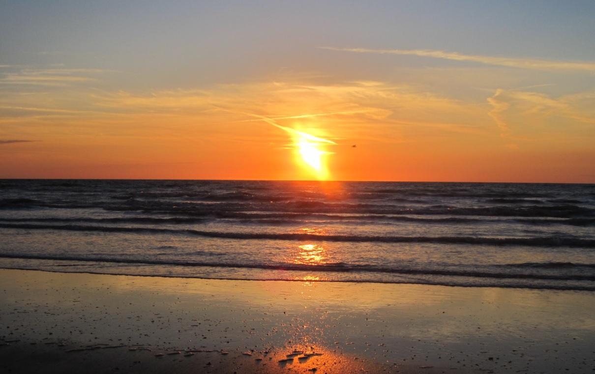 Strand in Belgien (Sonnenuntergang)