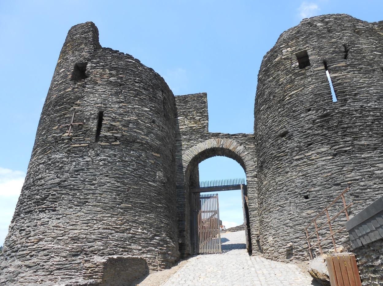 Chateau Schloss La Roche en Ardenne